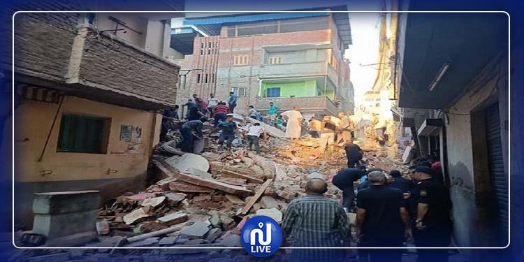 مصر: انهيار مبنى سكني وانتشال 8 جثث من تحت الأنقاض