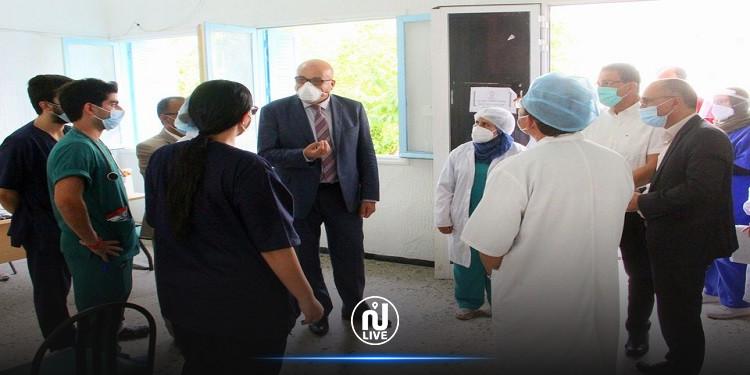 وزير الصحة يعاين أقسام مرضى كورونا بمستشفى عبد الرحمان مامي بأريانة