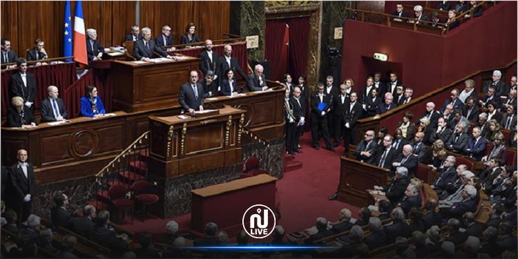 بسبب تواجد طالبة محجبة.. نواب فرنسيون يغادرون اجتماع البرلمان