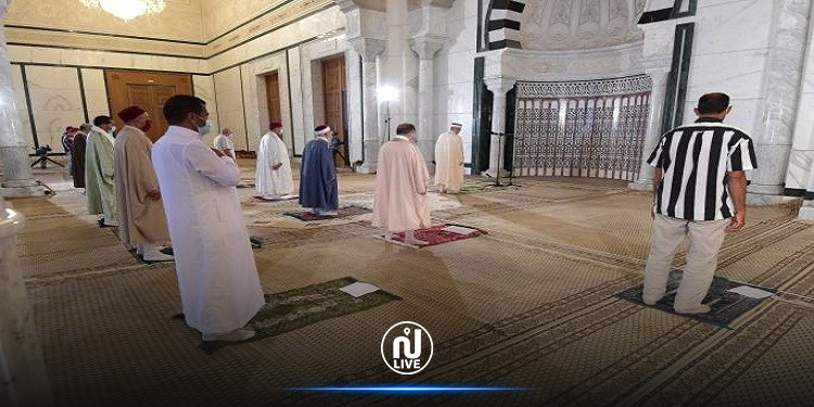 توصيات وزارة الشؤون الدينية للمصلّين للتوقي من كورونا