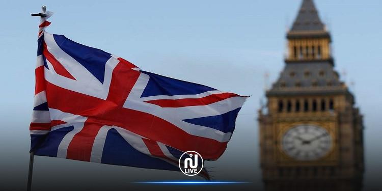 بريطانيا تدرس فرض عزل عام على إنجلترا مجددا
