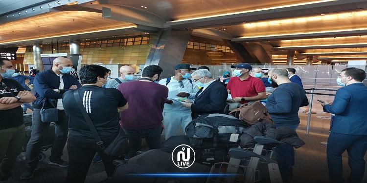 الجزائر تجلي رعاياها من قطر (صور)