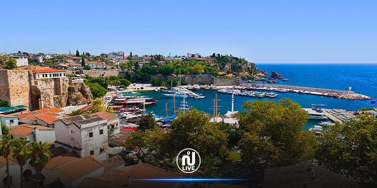 تركيا تنقل إدارة ميناء أنطاليا إلى شركة قطرية