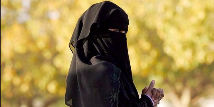 يحدث في تونس: فيديو جنسي يطيح بمنقبة تزوجت برجلين في آن واحد