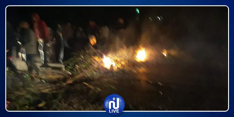 المنستير: مواطنون يقطعون الطريق للمطالبة بتزويد منازلهم بالكهرباء