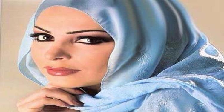 بعد إرتدائها الحجاب..أول عمل ديني لأمل حجازي (فيديو)