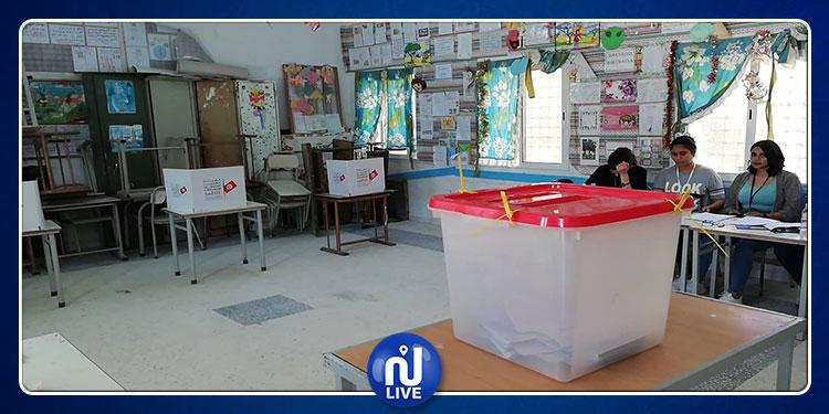 القيروان الشمالية:  إقبال ضعيف على عملية الإقتراع (صور)
