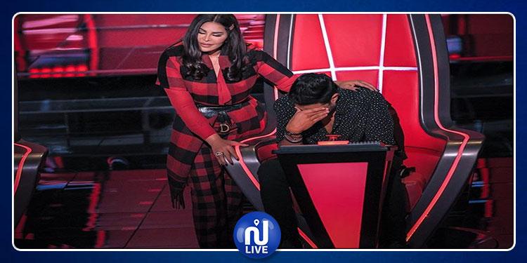 متسابقة جزائرية تبكي لجنة التحكيم في برنامج  'ذا فو يس' !(صور)