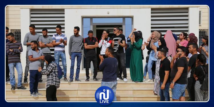 قفصة: طلبة كلية العلوم يدخلون في إضراب مفتوح (صور)