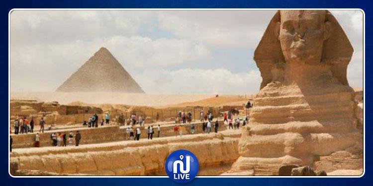 مصر: إيقاف جميع الأنشطة السياحية