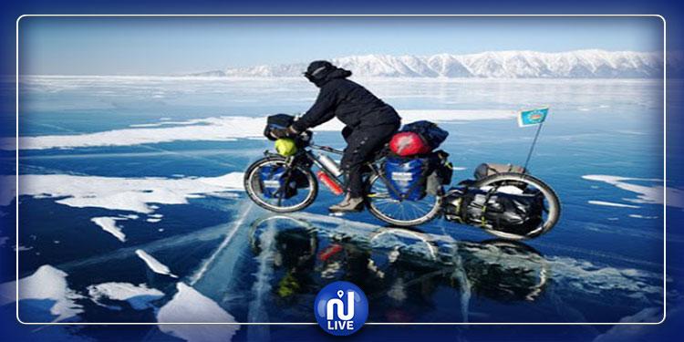 Sibérie : Des courses sur un lac gelé