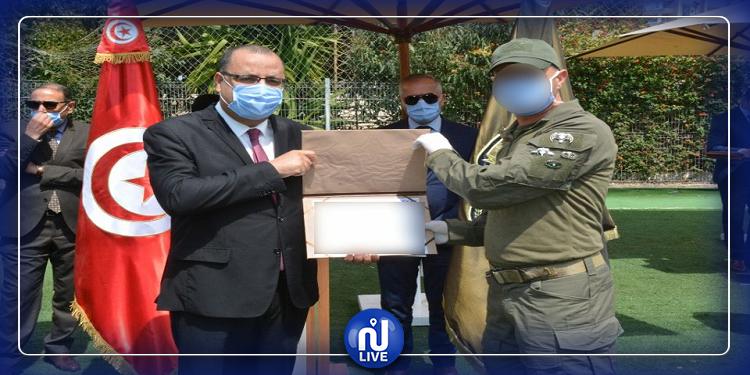 وزير الداخلية يكرّم المشاركين في العملية الأمنية بالقصرين (صور)