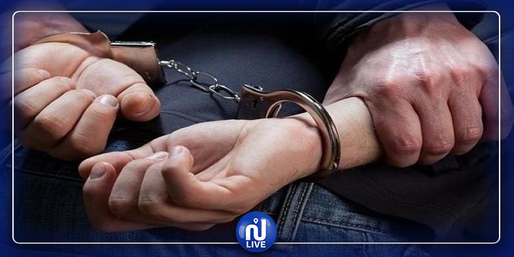 القصرين : القبض على شخص مفتش عنه ومحكوم بـ 20 سنة سجنا