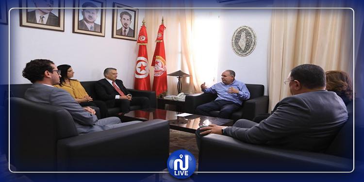 نور الدين الطبوبي يلتقي وفدا عن قلب تونس