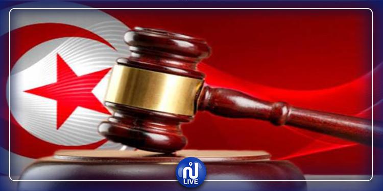 إحالة رئيس بلدية طبرقة وكاتبها العام على القضاء