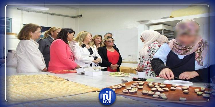 تكريم عدد من السجينات احتفالا بالعيد الوطني للمرأة التونسية