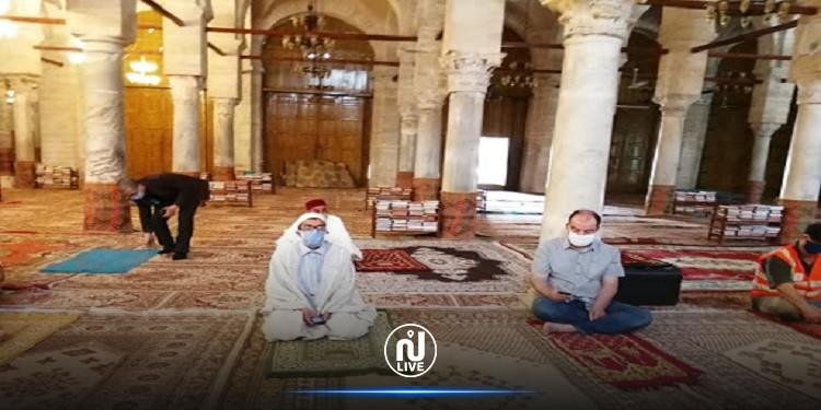 73 اطارا مسجديا مصابون بكورونا