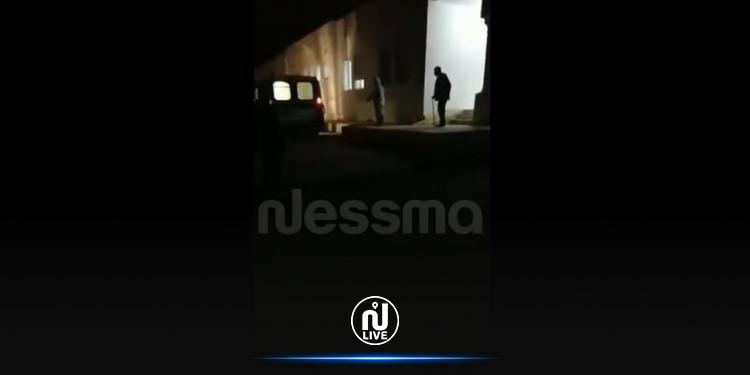 الرقاب: فتح تحقيق على خلفية عدم مساعدة مصاب كورونا على الصعود الى سيارة اسعاف