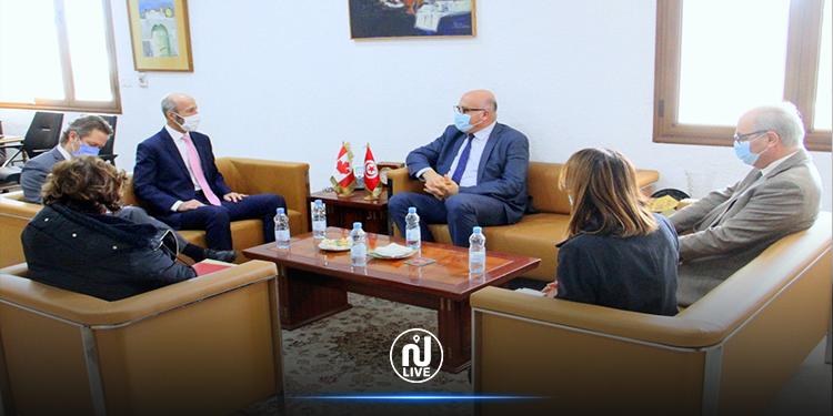 جلسة عمل حول التعاون التونسي الكندي في المجال الصحي