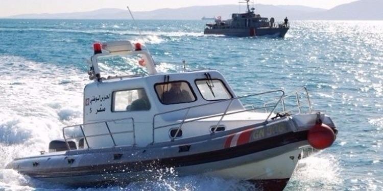 المهدية: إلقاء القبض على 21 شخصا كانوا ينوون اجتياز الحدود البحرية خلسة