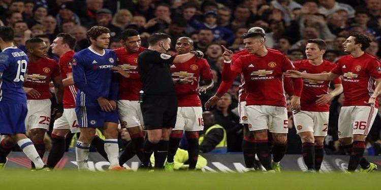 معاقبة مانشستر يونايتد بعد تصرفات لاعبيه أمام تشيلسي