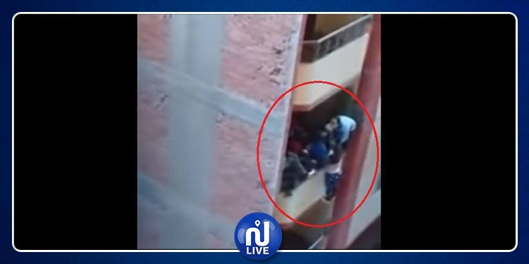 مصري يلقي عروسه من الشرفة بعد شهر من الزواج (فيديو)