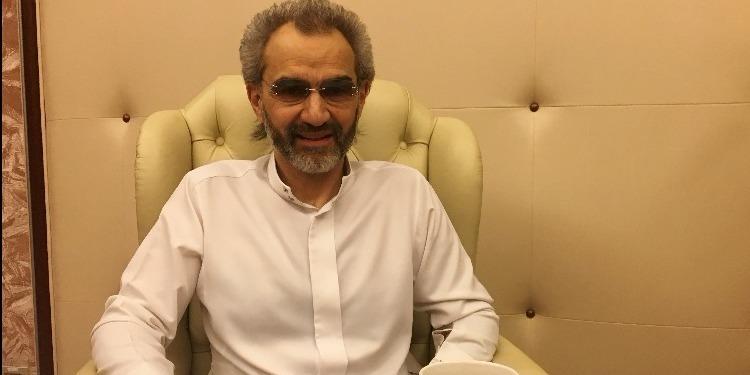 الأمير الوليد بن طلال يظهر في فيديو  من داخل محبسه