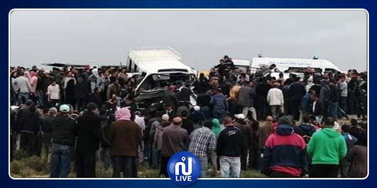 فريانة:وفاة شخصين وإصابة 20 آخرين إثر اصطدام حافلة بسيارة(صور)