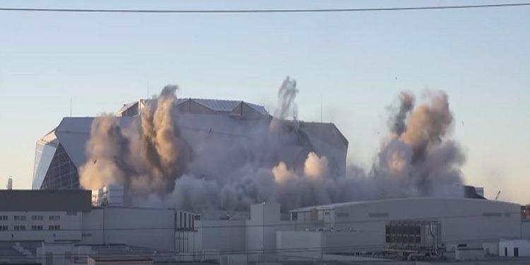 أمريكا: 2000 كلغ من المتفجرات لتفجير ملعب كرة قدم (فيديو)