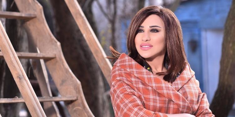 لأول مرة نجوى كرم تفاجئ جمهورها بالغناء باللهجة المصرية (فيديو)