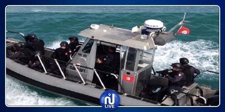وزير الدفاع يؤكد ضرورة إتخاذ التدابير الأمنية للتصدي للهجرة السرية