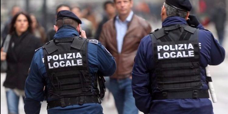 إيطاليا: القبض على تونسي يدير شبكة لبيع السيارت المسروقة