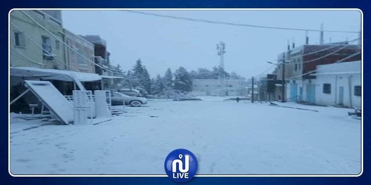 الثلوج تكسو مرتفعات مكثر وكسرى (صور)