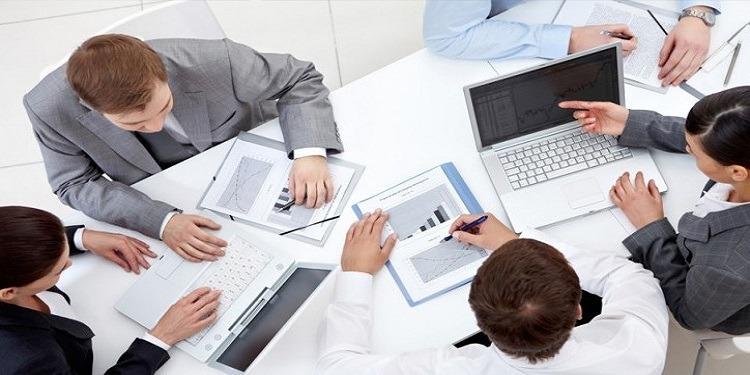 4 أسئلة يوجهها المدير النّاجح لموظفيه!