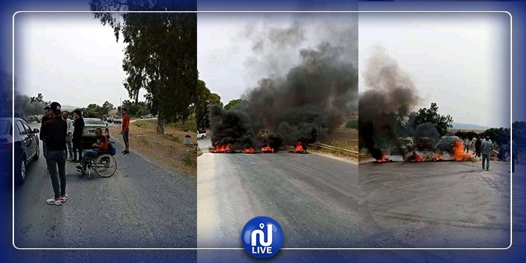 فرنانة: إغلاق الطريق بالحجارة والعجلات المطاطية