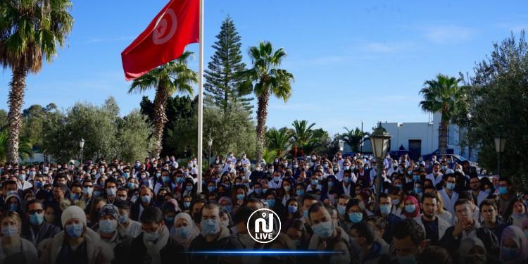 Des organisations appellent à un jour de colère devant le parlement