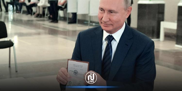Poutine signe une loi lui permettant de rester président jusqu'en 2036