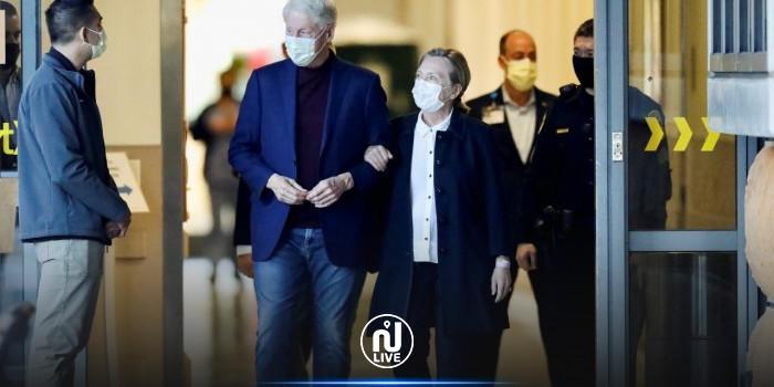 L'ancien président américain Bill Clinton quitte l'hôpital