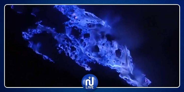 بركان ينفث حمما زرقاء والعلماء يكشفون السر (فيديو)