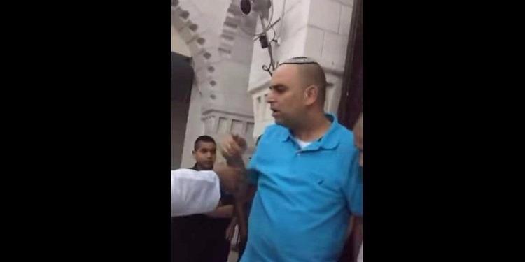شرطة الاحتلال تحاول منع صلاة العيد لأنها ''مزعجة'' ! (فيديو)