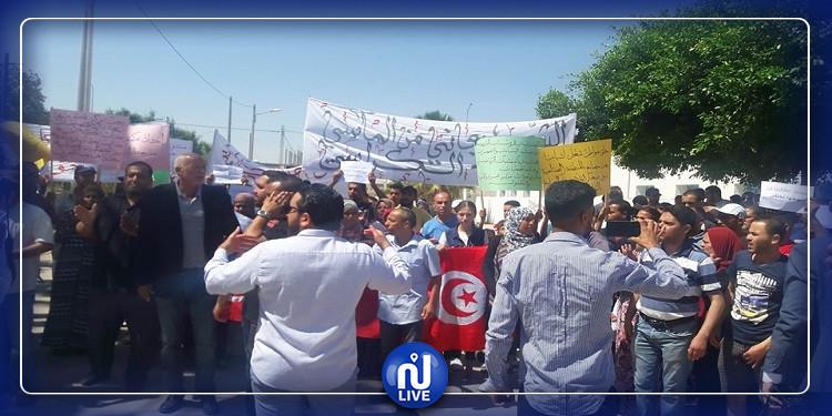 حاجب العيون: فاض الكأس... واحتجاجات وسط المدينة