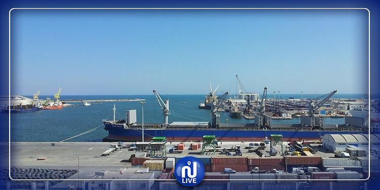 صفاقس:  تواصل احتجاجات البحارة  بميناء الجهة