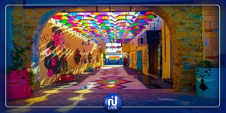ساحة المظلات بمدنين:  عندما يتحول الخراب إلى حياة بالألوان(صور)