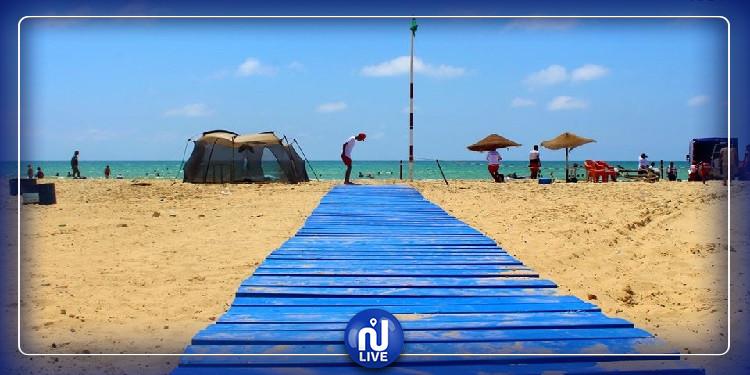 في بادرة انسانية: إنشاء ممر مشاة لذوي الاحتياجات الخاصة بشاطئ الشفار بالمحرس (صور)