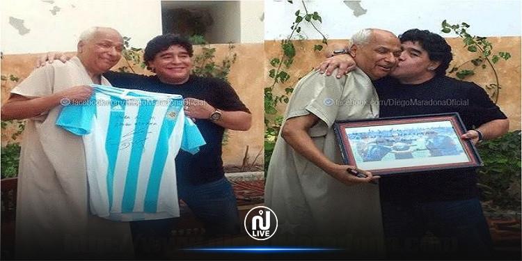 عندما فاجأ مارادونا الحكم علي بن ناصر بزيارته في تونس
