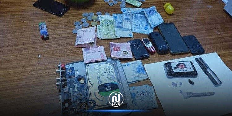 العاصمة: ايقاف مروجي مخدرات وحجز مبلغ مالي هام