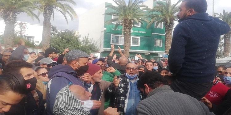 جندوبة: احتجاجات وغضب ودعوة إلى اضراب عام  (فيديو)