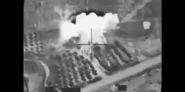 """بالفيديو : القصف الجوي الأمريكي على """"داعش"""" بصبراتة الليبية"""