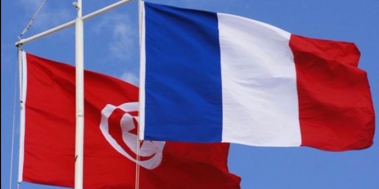 بحث تطوير التعاون العسكري بين تونس وفرنسا