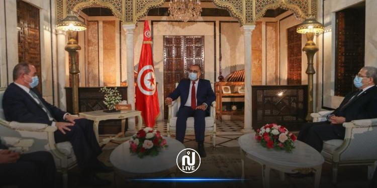 الجزائر ترغب في الإستفادة من التجربة التونسية في مكافحة كورونا